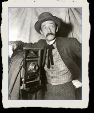 John Carradine as Abel Gross in The Photographer